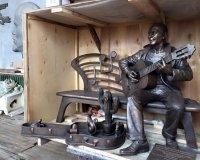 В Красноярске установят памятник Славе Глюку