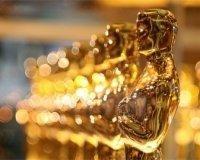 Парень с поддельным «Оскаром» прикинулся знаменитостью — и успешно