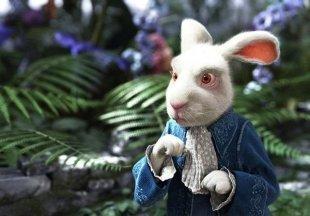 Шляпник приглашает отправиться в погоню за Белым кроликом