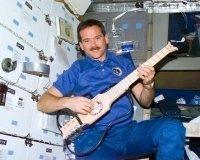 Астронавт Крис Хэдфилд выпустит альбом песен, записанных на МКС