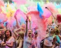 В мае жители города раскрасят друг друга яркими красками
