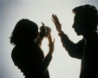 В Караганде снова начал работать телефон доверия для жертв бытового насилия