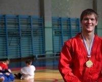 Илья Хлыбов из Верхней Пышмы завоевал титул чемпиона Европы по самбо