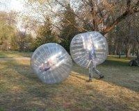 В Челябинске можно поиграть в футбол в зорбах
