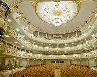 В театре оперы и балета покажут китайскую драму «Красное платье»
