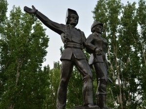 Открытие фонтана и мемориала строителям