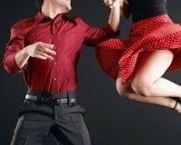 """""""Геометрия"""" научит танцевать хастл в баре"""