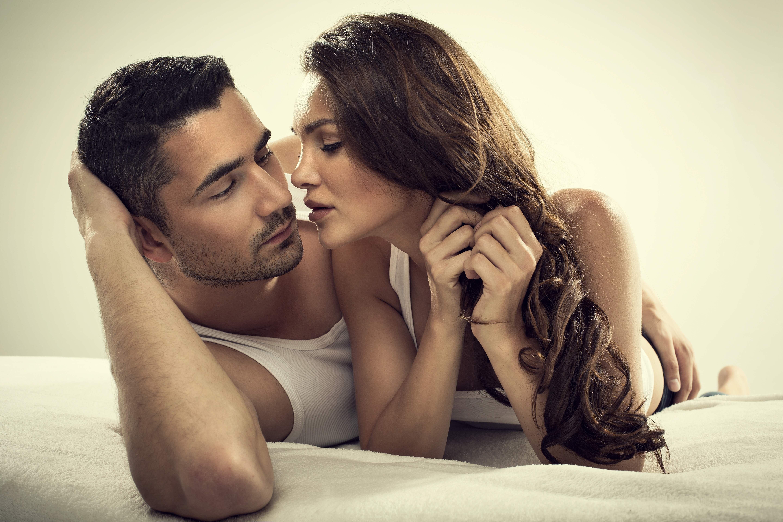 Девочка в возбуждающих чулках порно секс